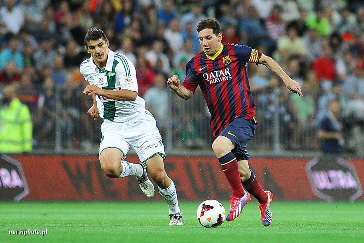 LECHIA GDANSK - FC BARCELONA N/Z PIOTR GRZELCZAK LIONEL MESSI FOT PIOTR MATUSEWICZ