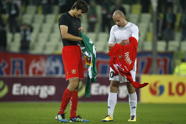 NZ Jaroslaw Bieniuk , Tomasz Dawidowski wymiana koszulek FOT. WOJCIECH FIGURSKI / 058sport.pl